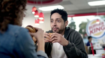 Burger King Rodeo Burger TV Spot [Spanish] - Thumbnail 6
