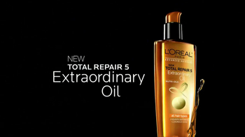 L'Oreal Paris Total Repair 5 Extraordinary Oils TV Spot, 'Reveal the Secret' - Thumbnail 3