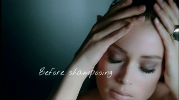 L'Oreal Paris Total Repair 5 Extraordinary Oils TV Spot, 'Reveal the Secret' - Thumbnail 7