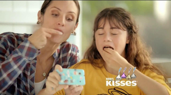 Hershey's TV Spot, 'Earrings' - Thumbnail 10