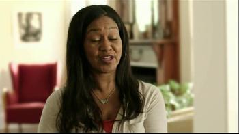 Gold Bond Eczema Relief TV Spot, 'Scratching' - Thumbnail 4