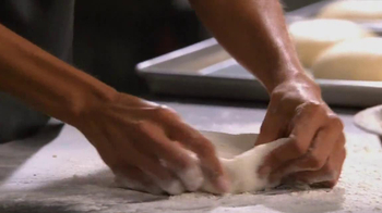 Little Caesars Pizza TV Spot Featuring Scrivano - Thumbnail 9