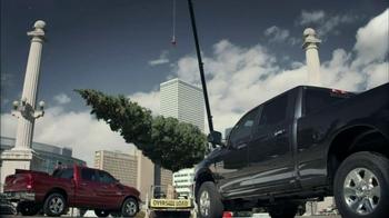Ram Big Finish Events TV Spot, 'Towing Christmas Tree' - Thumbnail 7