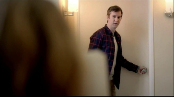 Embassy Suites Hotels TV Spot, 'The Divider' - Thumbnail 3