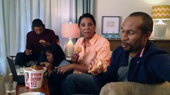 KFC Favorites Bucket TV Spot, 'Family Time' - Thumbnail 3