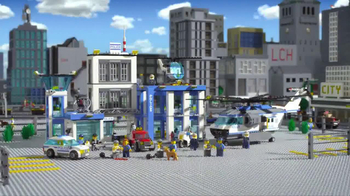 LEGO City Police Station TV Spot, 'Crooks Are Breaking Out' - Thumbnail 10