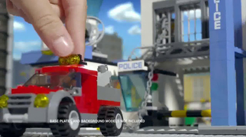 LEGO City Police Station TV Spot, 'Crooks Are Breaking Out' - Thumbnail 3