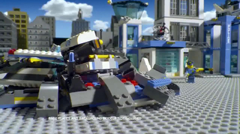 LEGO City Police Station TV Spot, 'Crooks Are Breaking Out' - Thumbnail 5