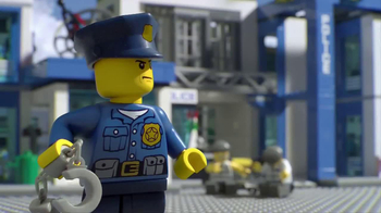 LEGO City Police Station TV Spot, 'Crooks Are Breaking Out' - Thumbnail 6