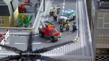 LEGO City Police Station TV Spot, 'Crooks Are Breaking Out' - Thumbnail 9