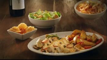 Romano's Macaroni Grill TV Spot, 'Date Observers' - Thumbnail 10
