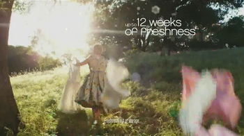 Downy Unstopables TV Spot, 'Closet' Featuring Amy Sedaris - Thumbnail 10
