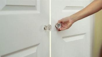 Downy Unstopables TV Spot, 'Closet' Featuring Amy Sedaris - Thumbnail 8