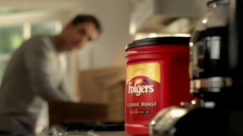 Folgers TV Spot, 'Moving In' - Thumbnail 6