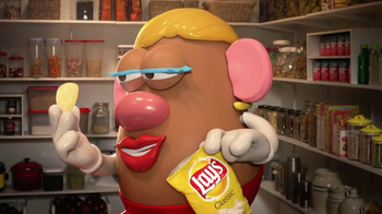 Lay's TV Spot, 'Mrs. Potato Head' - Thumbnail 9