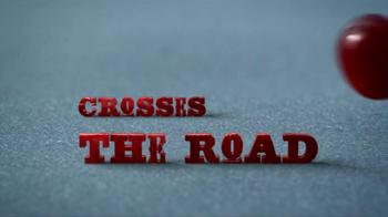 Newtons Fruit Thins TV Spot, 'Crossing the Road' - Thumbnail 4