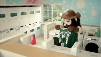 University of North Carolina at Charlotte TV Spot, 'Laundromat'
