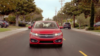 2014 Honda Civic Coupe TV Spot, 'Fútbol' Letra por Kinky[Spanish] - Thumbnail 4
