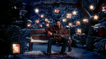 JCPenney TV Spot, 'Silent Night' Featuring Blake Shelton - Thumbnail 10