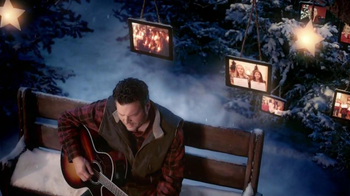 JCPenney TV Spot, 'Silent Night' Featuring Blake Shelton - Thumbnail 8