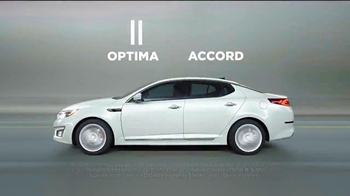 2014 Kia Optima TV Spot, 'A Clean Sweep' - Thumbnail 5