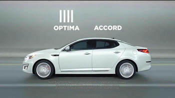 2014 Kia Optima TV Spot, 'A Clean Sweep' - Thumbnail 7