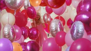 Revlon Colorburst Matte & Lacquer Balms TV Spot Featuring Emma Stone - Thumbnail 8