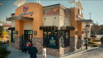 Taco Bell Happier Hour TV Spot, 'Happy Hour Date' - Thumbnail 7