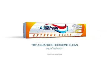 AquaFresh Exteme Clean TV Spot, 'Real People: Morning Routine' - Thumbnail 10