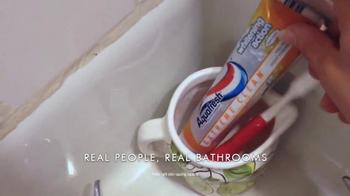 AquaFresh Exteme Clean TV Spot, 'Real People: Morning Routine' - Thumbnail 3