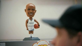 Capital One Venture TV Spot, 'Bobblehead' Featuring Charles Barkley - Thumbnail 6