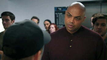 Capital One Venture TV Spot, 'Bobblehead' Featuring Charles Barkley - Thumbnail 7