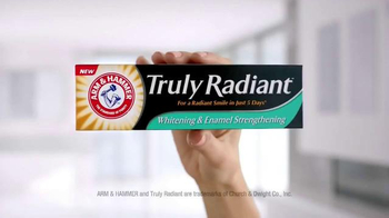 Arm and Hammer Truly Radiant TV Spot, 'Strength, Beauty' Ft. Alison Sweeney - Thumbnail 4