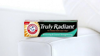 Arm and Hammer Truly Radiant TV Spot, 'Strength, Beauty' Ft. Alison Sweeney - Thumbnail 9