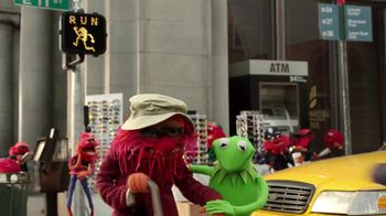 Lipton Tea TV Spot, 'Lipton Helps Kermit' Song by Harry Nilsson - Thumbnail 6