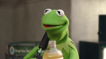 Lipton Tea TV Spot, 'Lipton Helps Kermit' Song by Harry Nilsson - Thumbnail 8