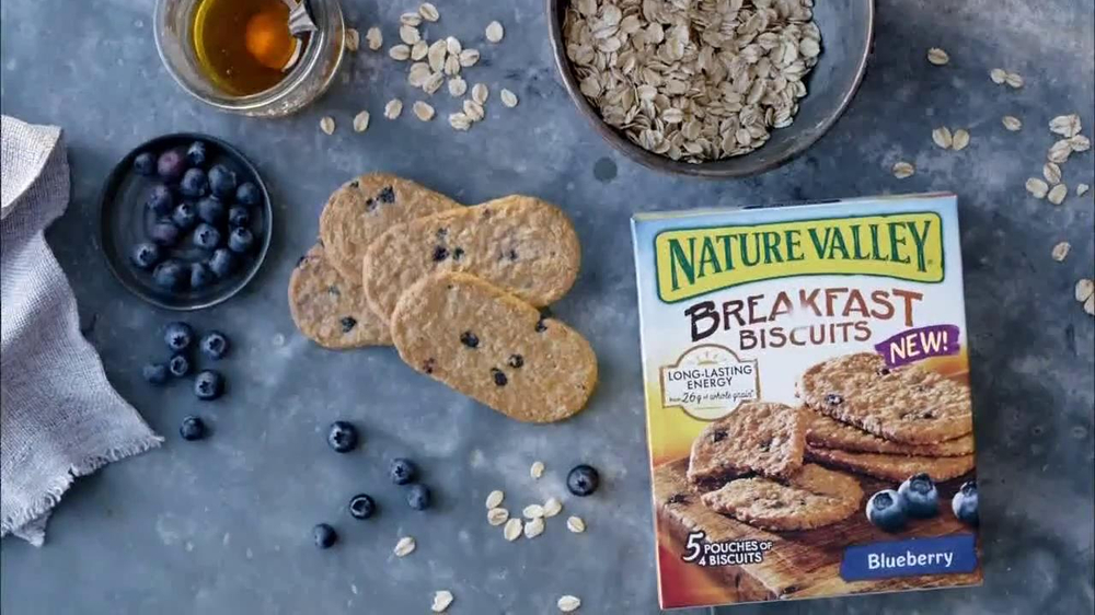 Nature Valley Breakfast Biscuits TV Commercial, 'Nature Photographer'
