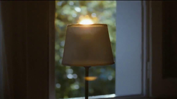 Philips Norelco TV Spot, 'Dear Sun' - Thumbnail 5