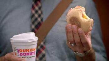 Dunkin' Donuts Eggs Benedict Breakfast Sandwich TV Spot, 'Elevator' - Thumbnail 3