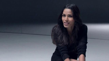 L'Oreal Paris True Match TV Spot, 'Mosaic' Featuring Frieda Pinto - Thumbnail 10