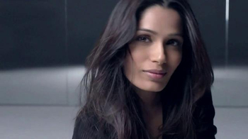 L'Oreal Paris True Match TV Spot, 'Mosaic' Featuring Frieda Pinto - Thumbnail 3