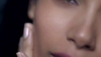 L'Oreal Paris True Match TV Spot, 'Mosaic' Featuring Frieda Pinto - Thumbnail 7