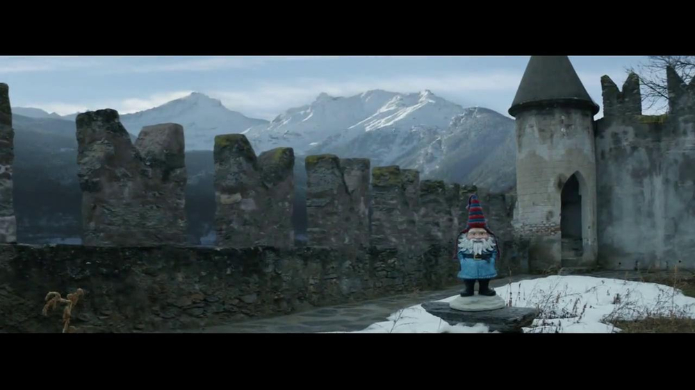 Travelocity TV Commercial, 'Walls'