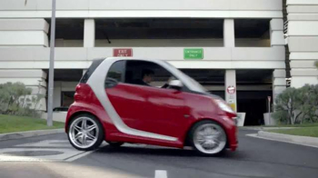 2014 Smart Cars TV Spot, \'Parking Garage\'
