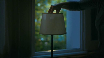 Philips SlimStyle LED Bulb TV Spot, 'Lightbulb' - Thumbnail 6