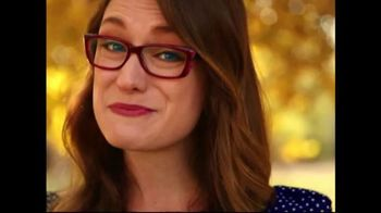America's Best Contacts and Eyeglasses TV Spot, 'Designer Frames' - Thumbnail 9