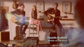Bobs From SKECHERS TV Spot Featuring Danielle Bradbery