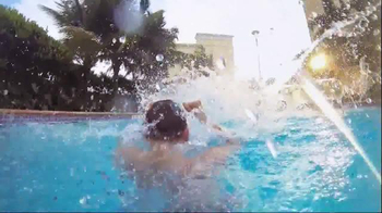 Hilton Hotels Worldwide TV Spot, 'Weekend: The Shore' - Thumbnail 5