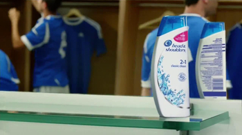 Head & Shoulders 2 in 1 Classic Clean TV Spot Con Lionel Messi [Spanish] - Thumbnail 3