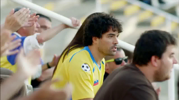 Head & Shoulders 2 in 1 Classic Clean TV Spot Con Lionel Messi [Spanish] - Thumbnail 4
